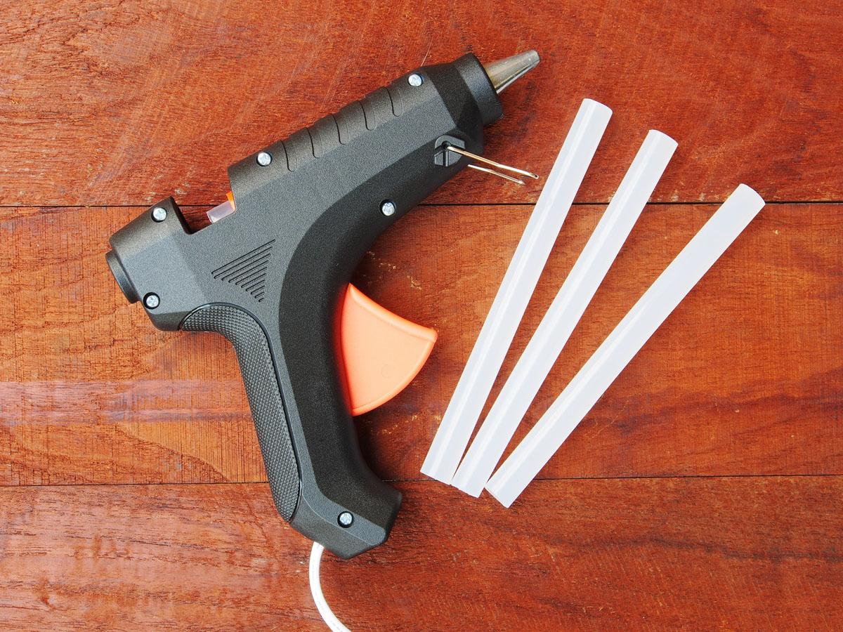 Zalety ręcznego pistoletu do kleju