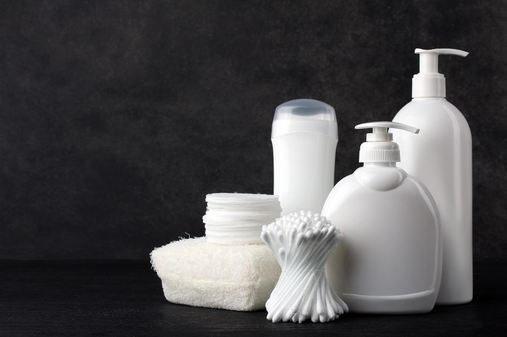 Co wchodzi w skład podstawowych akcesoriów łazienkowych?
